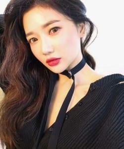韓国人女性メイク